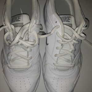 Nike womans size US 8 sneakers Used